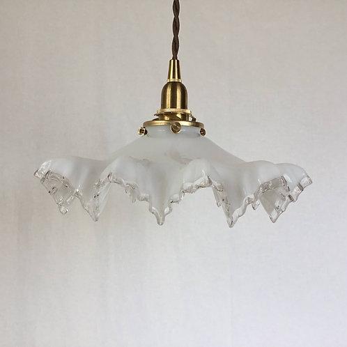 フランスアンティーク ガラス ランプシェード オパリン フリル (ミルク&クリアエッジ ) (シェードのみ) (送料無料)
