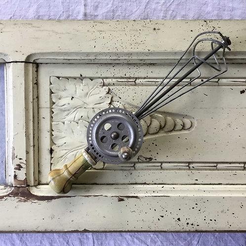 フランス 手動泡立て器 ハンドミキサー  木のハンドル