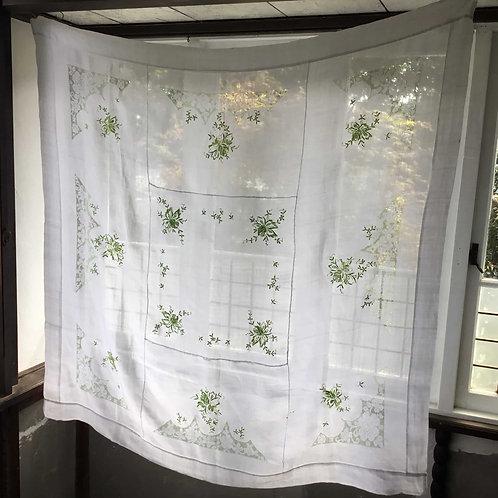 フランス アンティーク リネン テーブルクロス ライトグリーン刺繍 薔薇 ローズ 124 x 125 (送料無料)