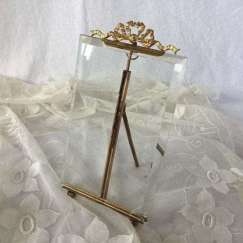フランス アンティーク 20 cm ガラスと真鍮 リボンのオルモル装飾 フォトスタンド フォトフレーム 写真なし (送料無料)