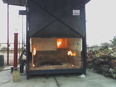 Incinerador+500+kgs+puerta+abierta.jpg