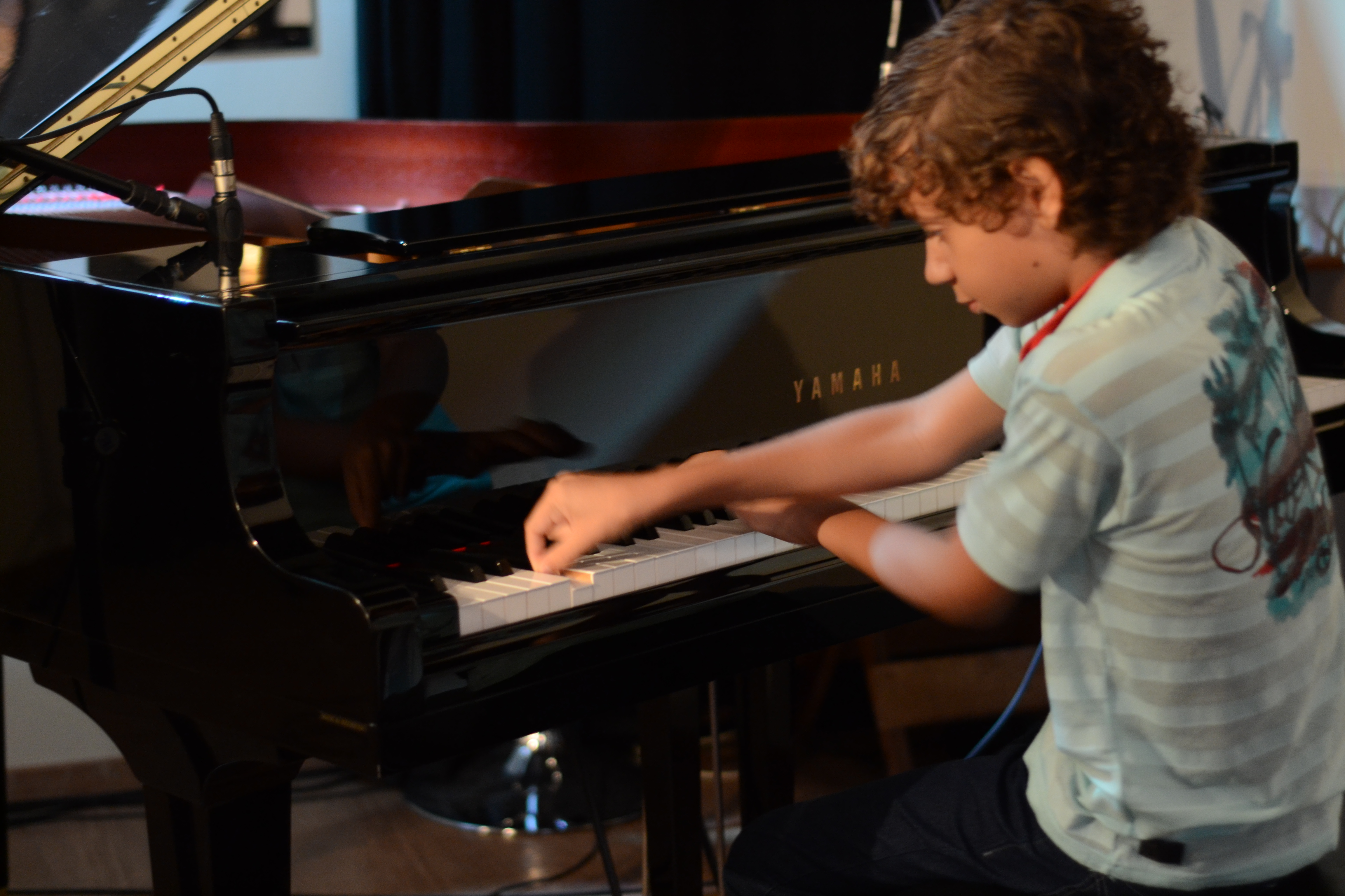 Aula de canto e piano