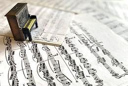 Partituras e cifras para piano e teclado