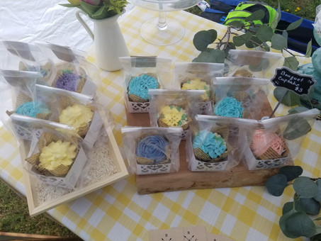 Flower piped cupcakes in vanilla buttercream