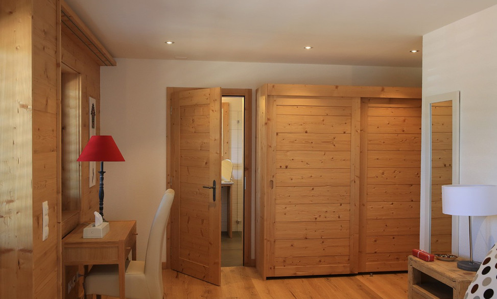 Agencement chambre, style contemporain - Chalet bois, Nendaz - Chambre