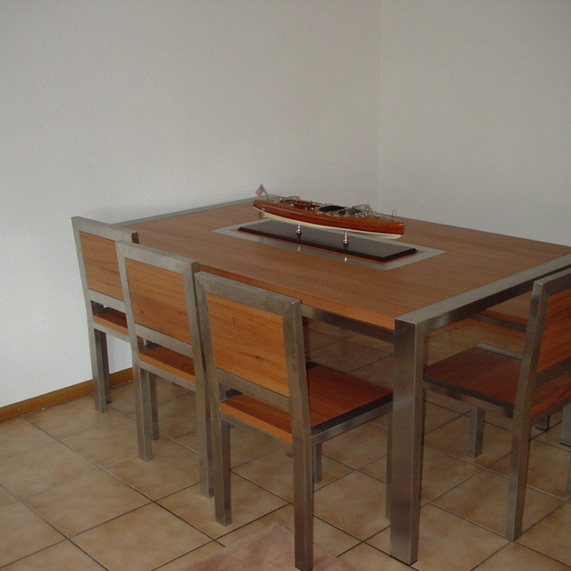 Table bois - Simplicité des matières