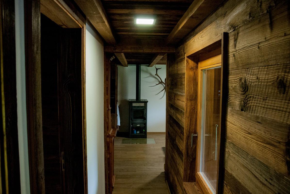 Rénovation chalet de montagne, couloir - Relooking total