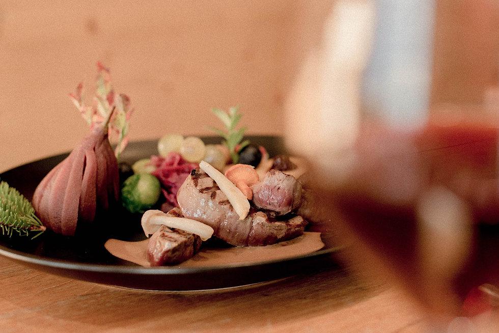 Le Carrefour - restaurant verbier 8.jpg