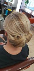 coiffure sion - chignon.jpg