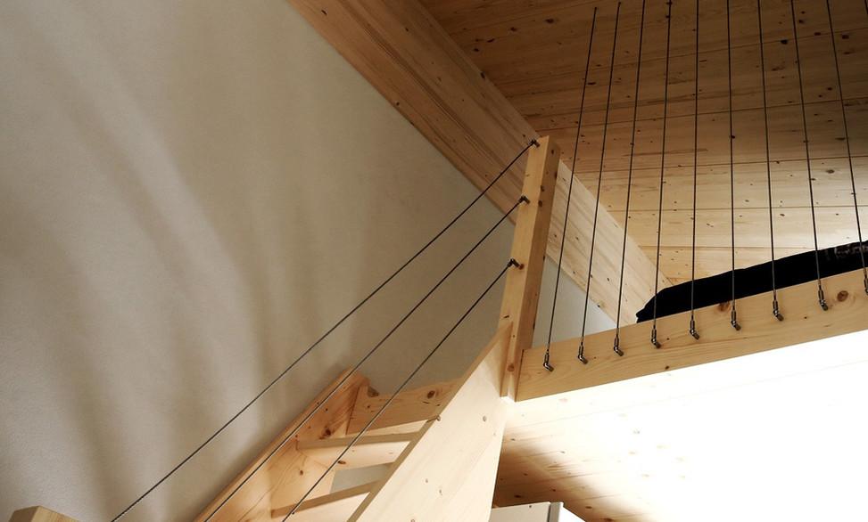 Escaliers bois aérien - Menuiserie Valais