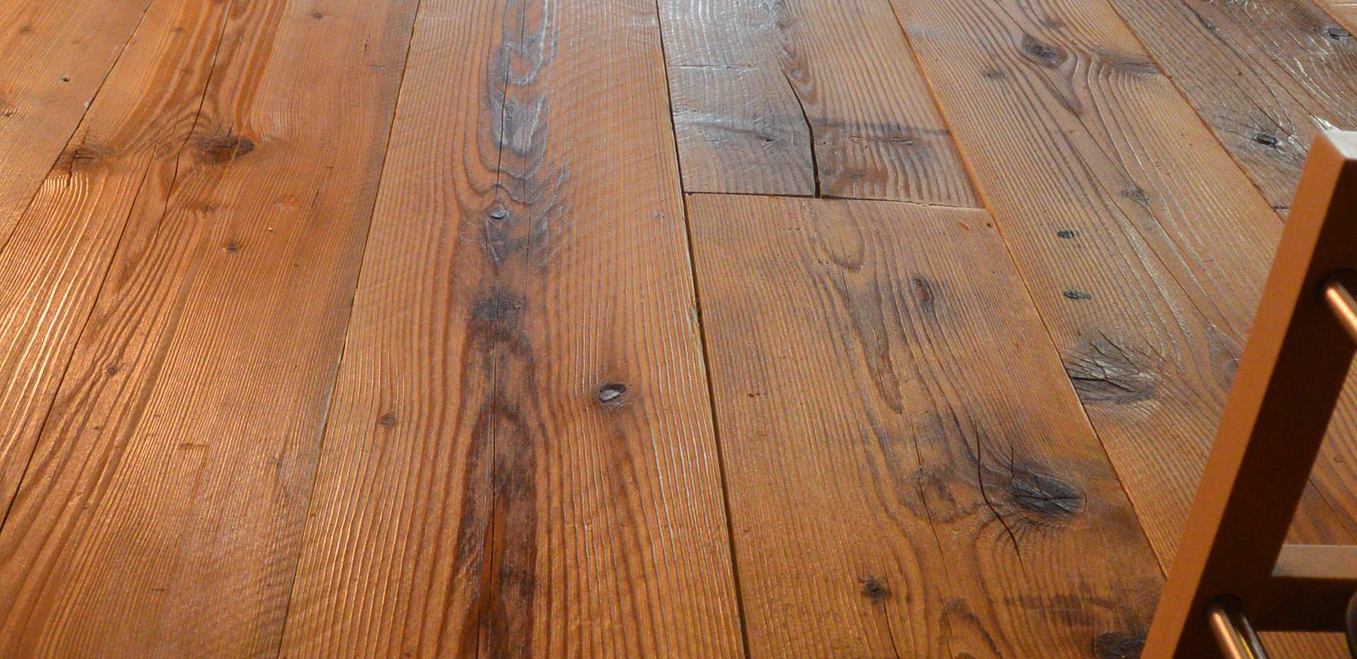 Rénovation plancher Chalet - Menuiserie Valais, Suisse