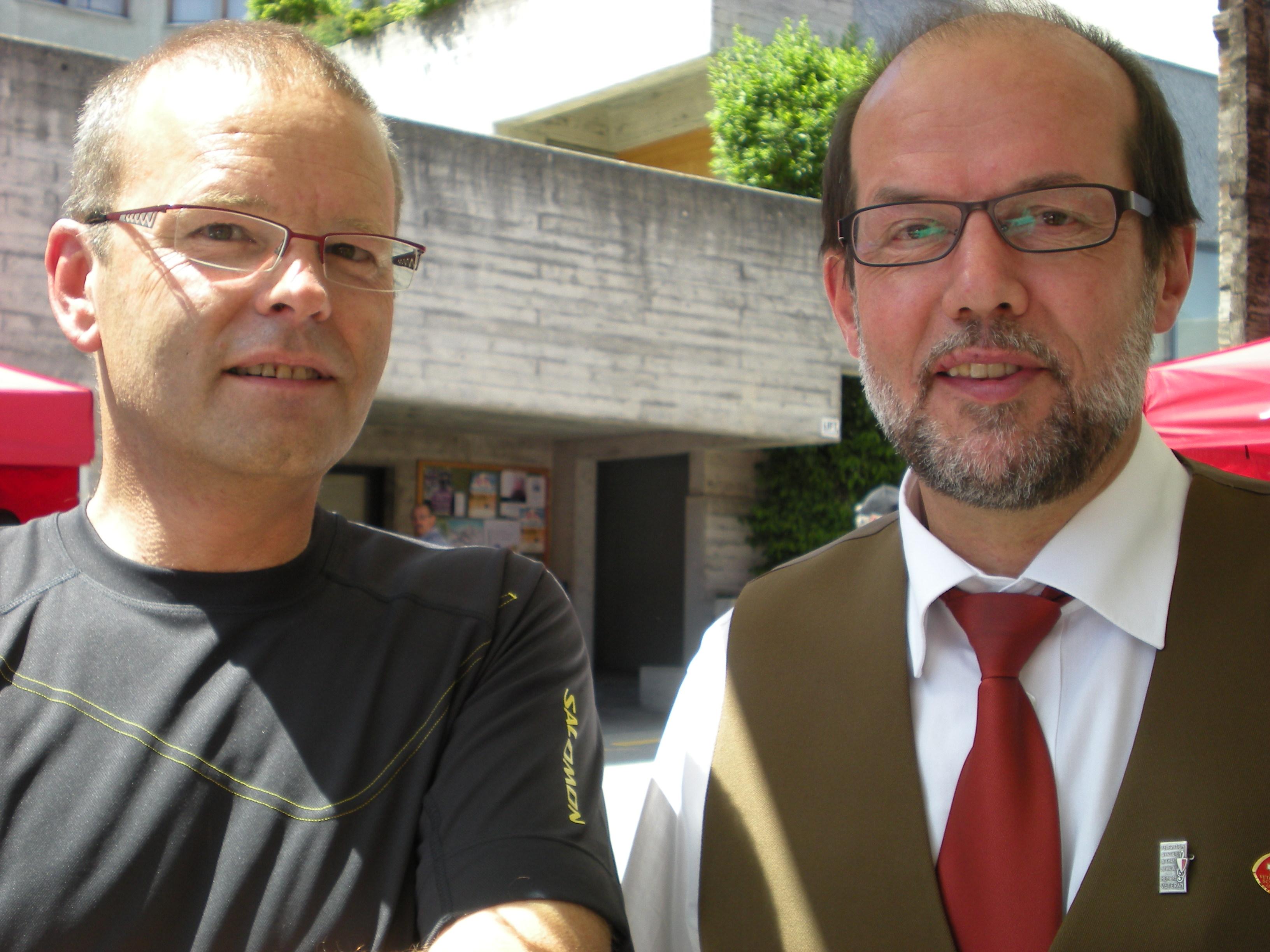 Jean-Maurice (à droite)