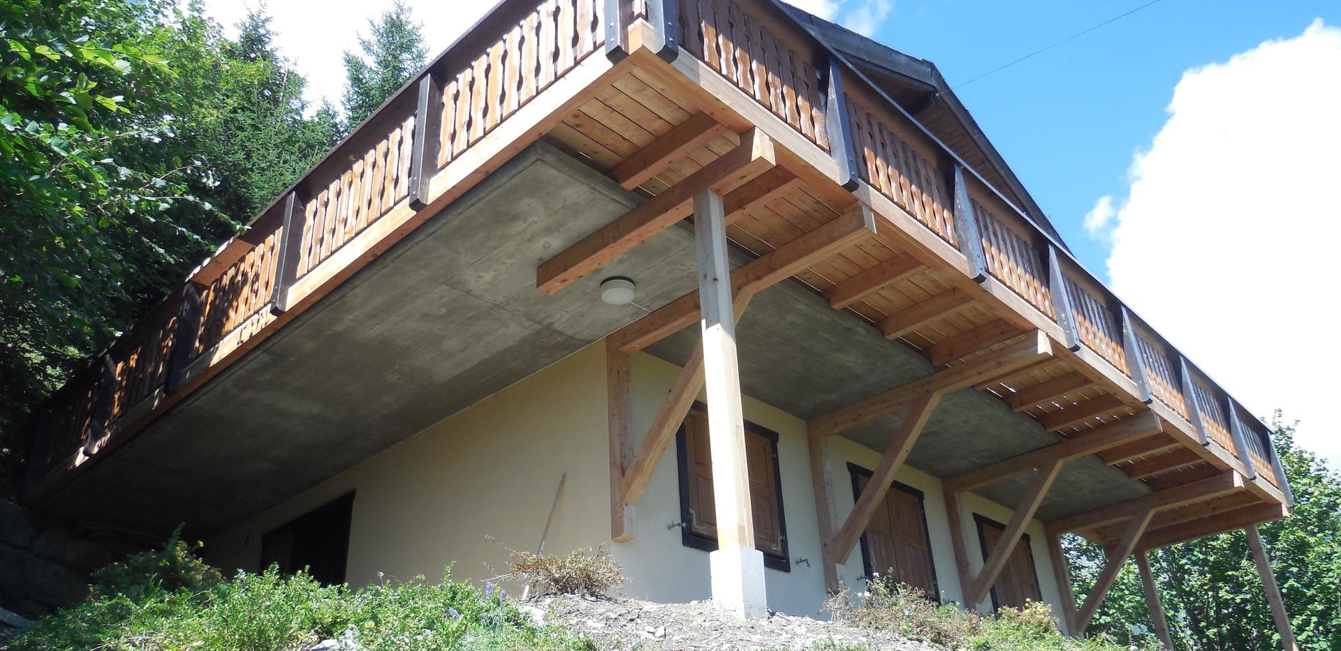 Agrandissement terrasse - Menuiserie Valais, Suisse