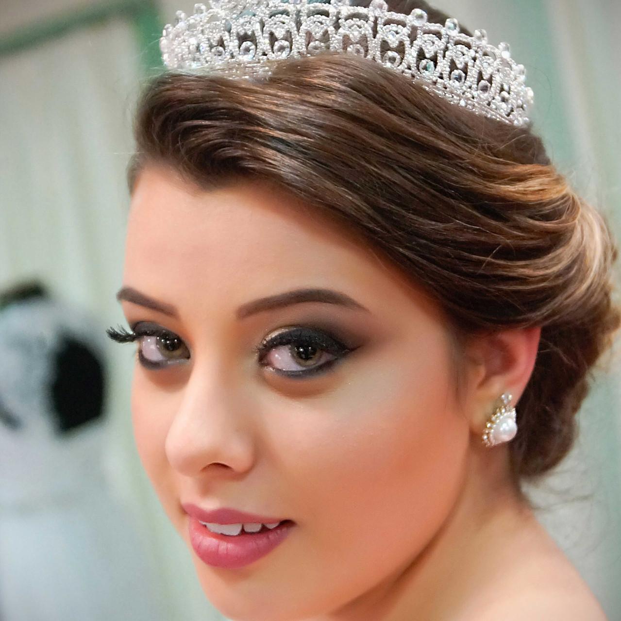 Modelo: Larissa  Make up and Hair: Sandra Costa  Assist. Beleza: Larissa Keiko