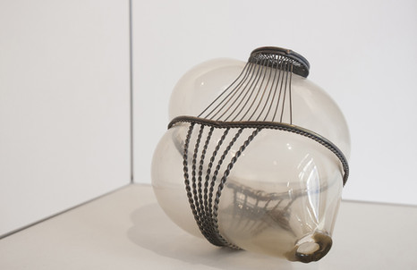 Silvia Vendramel, Soffio#24, 2014, vetro soffiato e metallo, cm. 19x30x20