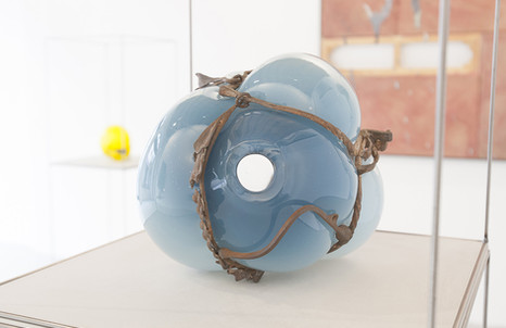 Silvia Vendramel, Soffio#20, 2014, vetro soffiato e metallo, cm. 23x25x26