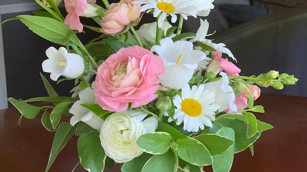 Pint-size Mason Jar Bouquet