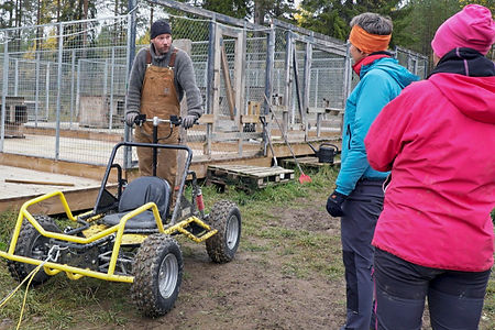 Instructions before selfdrive husky cart tour at Laplandhusky in Swedish Lapland