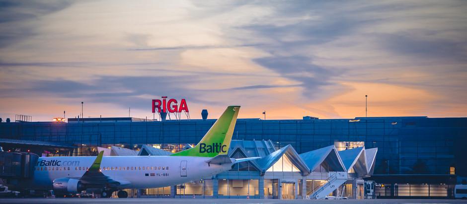 """Pasažieru skaits lidostā """"Rīga"""" turpina pieaugt"""