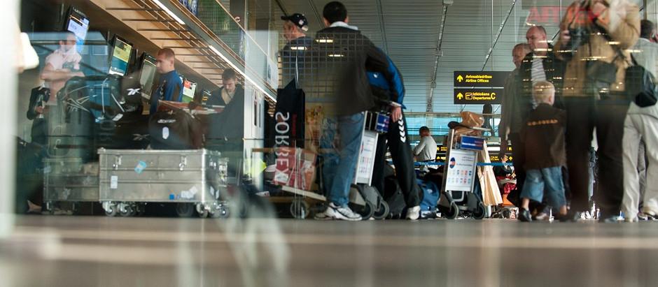 """Pirmajā pusgadā lidostā """"Rīga"""" apkalpoti vairāk nekā 400 tūkstoši pasažieru"""