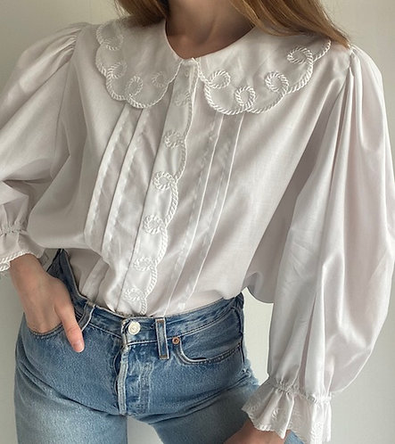 Blouse blanche col claudine