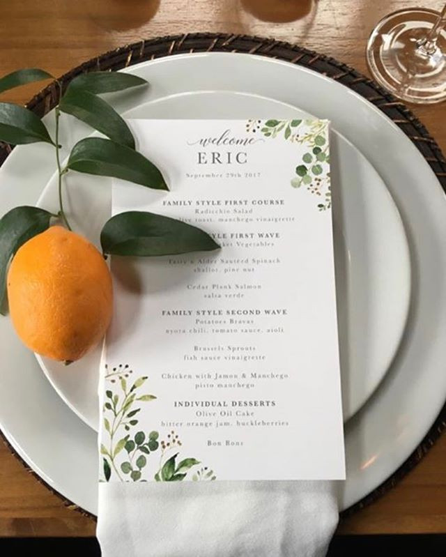 How beautiful are these place settings _