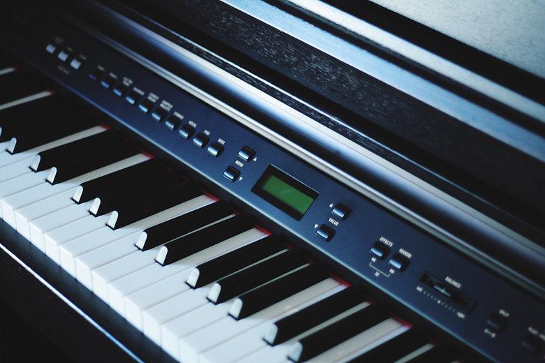 Keyboard - Piano