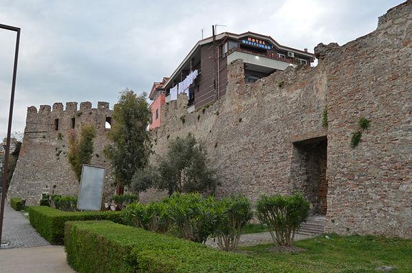 Fortifications of Dyrrachium (Durrës).jp