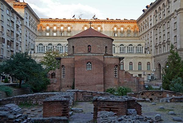Church of St. George (Sofia).jpg