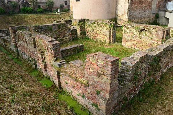 Ruins of Santa Croce.jpg