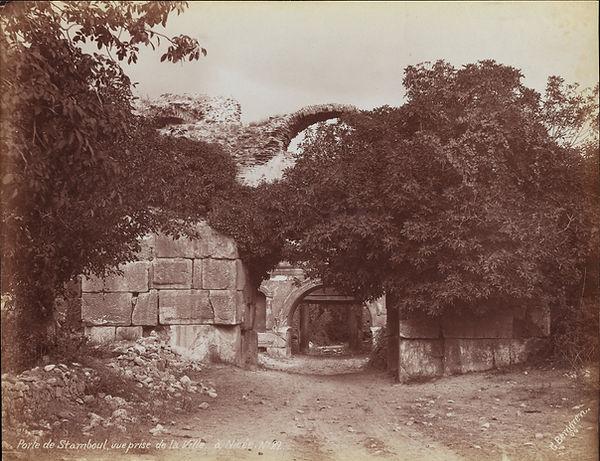 4260 - Istanbul Gate, Iznik  Guillaume B