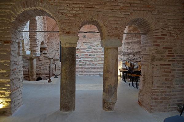 Byzantine Bath (Thessaloniki).jpg