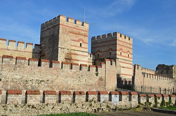 Xylokerkos Gate (Belgratkapı).jpg