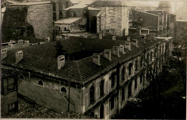 ayasofya-medresesi-1936-encumen-arsivi.j