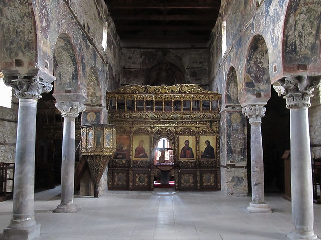 The_interior_of_the_old_Metropolitan_Chu