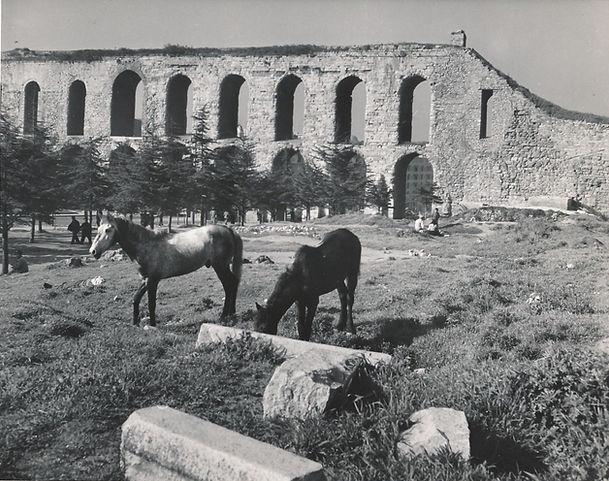 bozdogan-kemeri-ve-atlar-1940.jpg