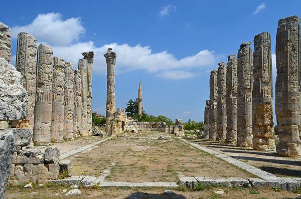 Temple of Zeus Olbios (Diocaesarea).jpg