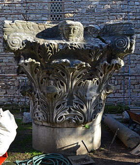 Capital in Courtyard of Topkapı Palace.j