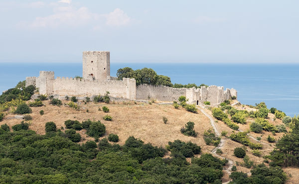 Platamon_Castle_from_SW.jpg