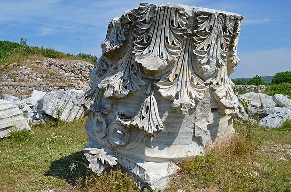 Temple of Hadrian (Kyzikos).jpg
