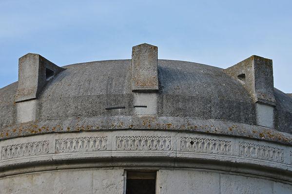 Mausoleum of Theodoric.jpg