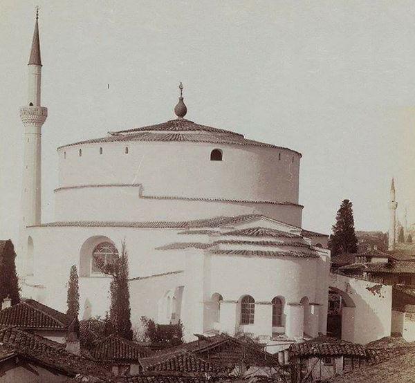 Late 19th century photo.jpg