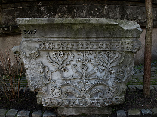 St._Polyeuktos_pier_capital_2.jpg