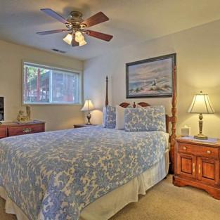 Condo 25 Guest Bedroom.jpg