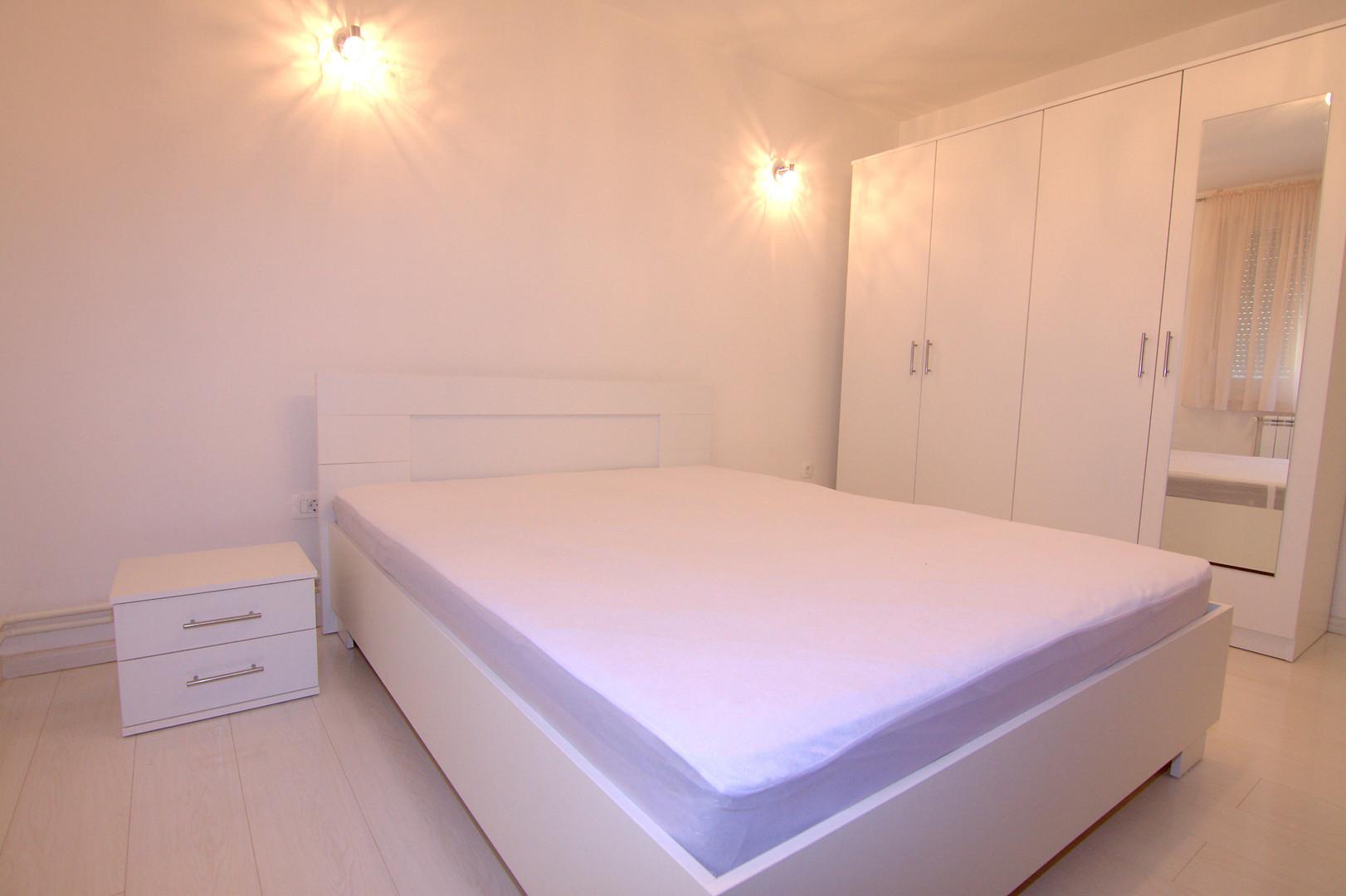 Izdaje se: Trosoban stan, Talirovića, 64 m2