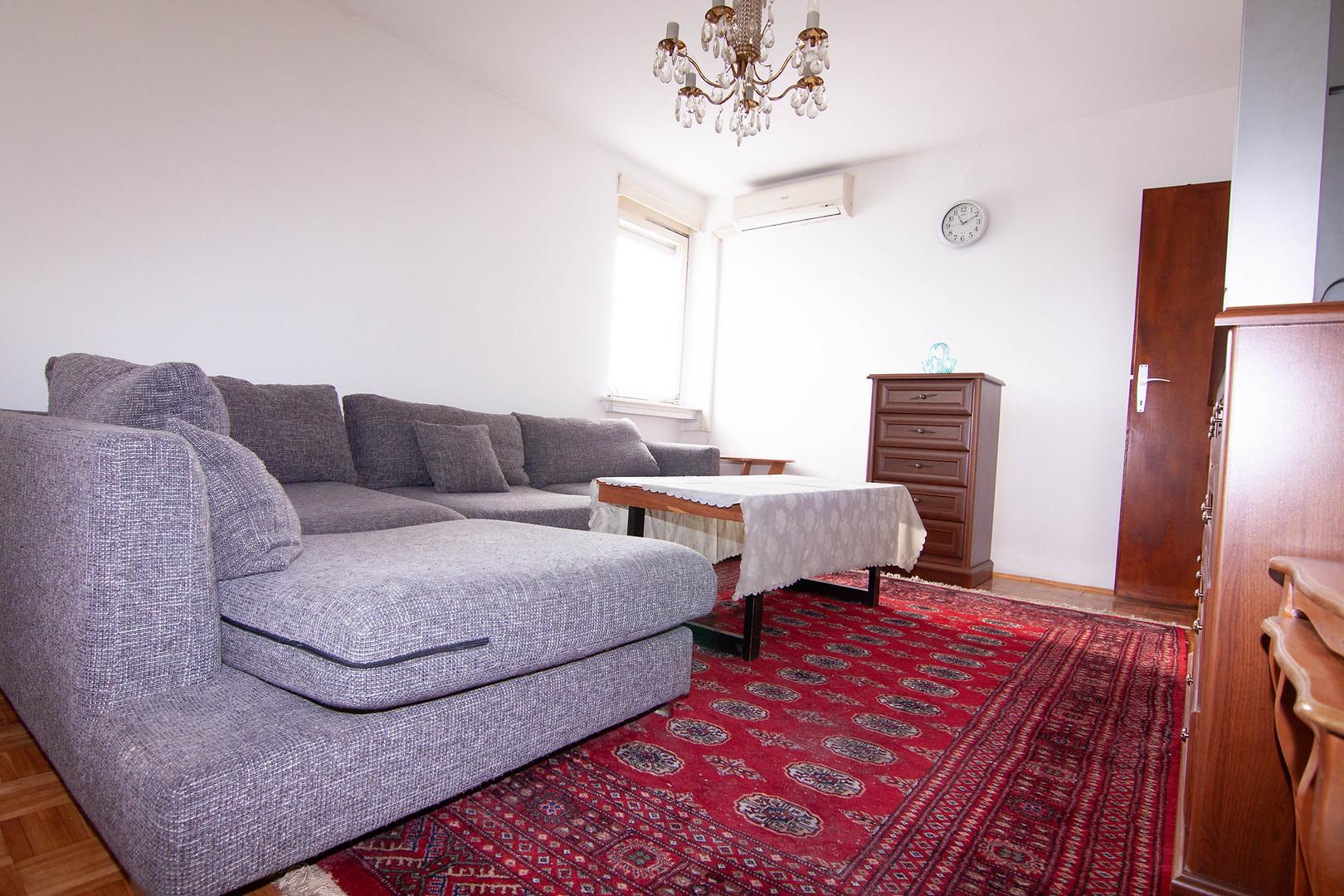 Prodaje se: Dvosoban Stan Dzemala BIjedica, 56 m2