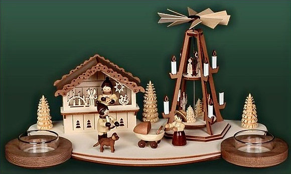 Christmas Market Pyramid