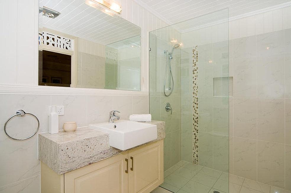 Bathroom renovations south brisbane craig rynne constructions for Queensland bathroom renovations