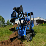 MultiOne-mini-loader-2-series-with-auger