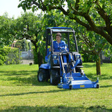 MultiOne-mini-loader-2-series-with-lawn-